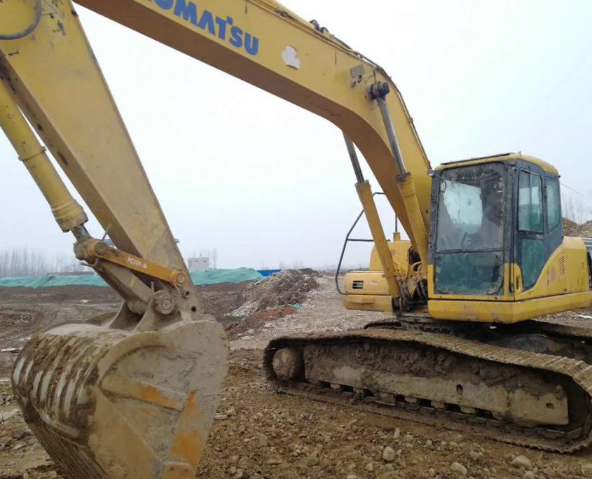 excavator with bucket teeth